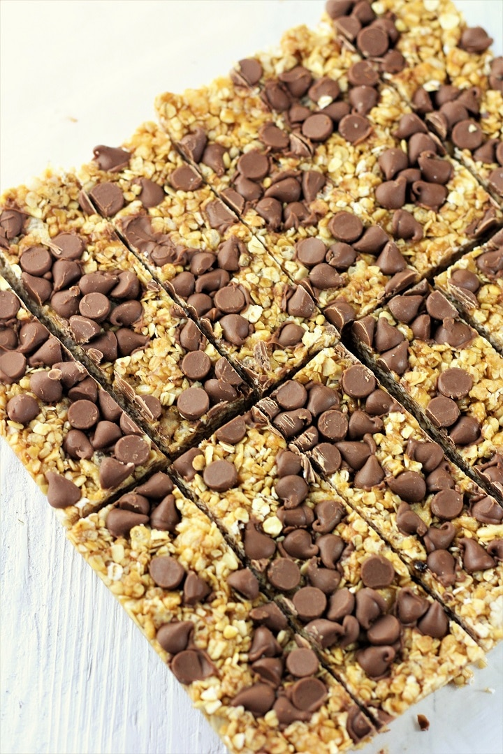 peanut butter chocolate chip no bake granola bars